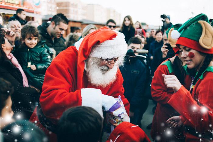 Babbo Natale tra la gente